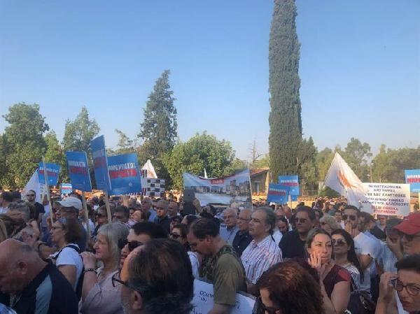 Güney Kıbrıs'taki Maraş eyleminde Türklere linç girişimi