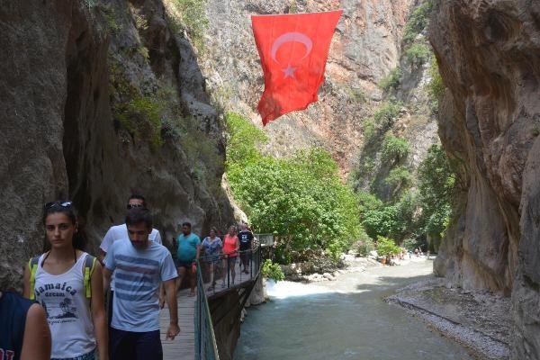 Muğla'nın cennet köşelerinden Saklıkent Kanyonu'na rağbet