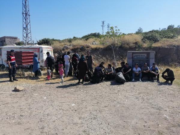 Midilli Adası'na kaçmak isteyen 85 göçmen yakalandı