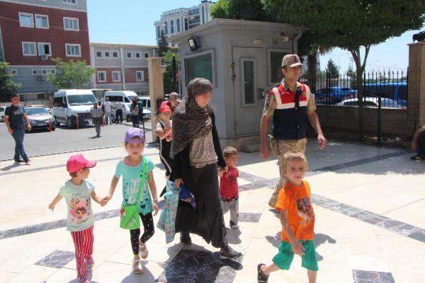 DEAŞ'lı Rus kadınlar çocuklarıyla sınırda yakalandı