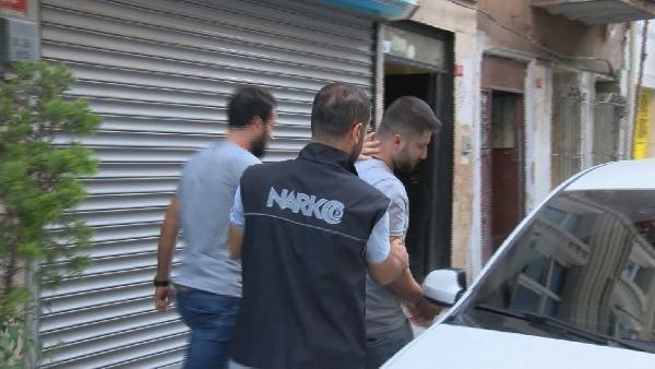 Fatih'te 40 adrese uyuşturucu baskını