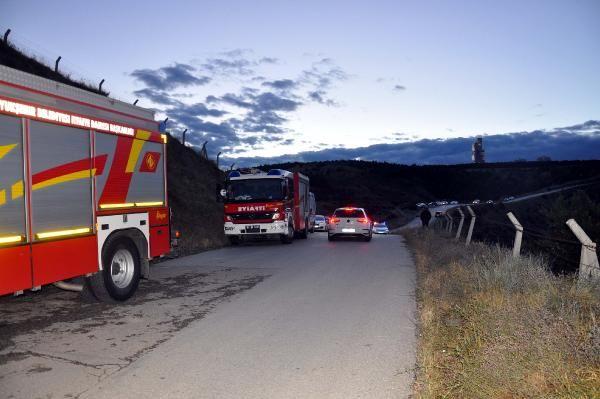 Ankara'da otomobil 300 metreden vadiye düştü