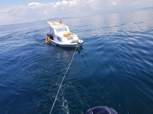 Yalova'da batan teknenin imdadına deniz polisi yetişti