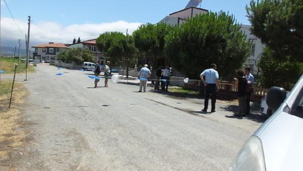 Balıkesir'de 'bu cadde benim' dedi, yolu kapattı