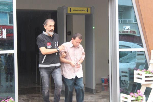 Kocaeli'de çaldıklarını sivil polise satmaya çalıştı