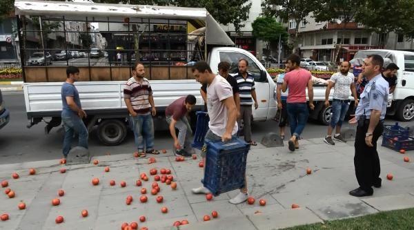 Sultangazi'de seyyar satıcılardan eylem