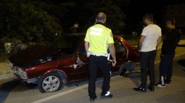 Isparta'da kaza yapan araç sürücüsü kaçtı