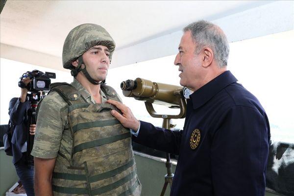 Hulusi Akar'a tekmil veren Tokatlı asker