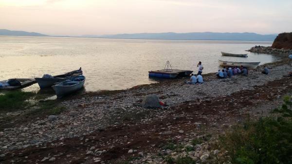 Manisa'da kayık alabora oldu: 2 kişi kayıp