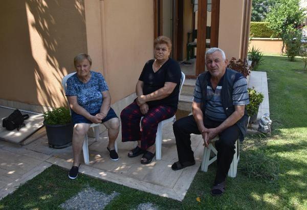 İzmir'de FETÖ ile korkutup yaşlı kadını dolandırdılar