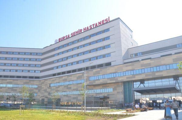 Bursa Şehir Hastanesi'nde bebek bezi boruyu patlattı