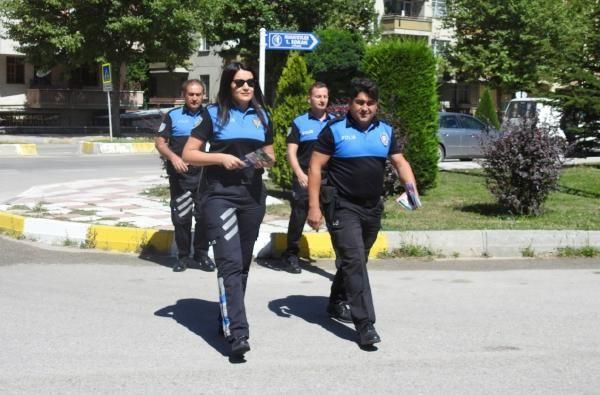 Polisten hırsızlara karşı uygulamalı uyarılar