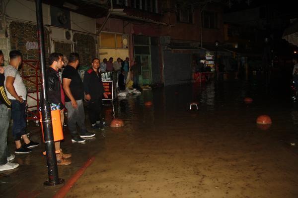 Tokat'ta ev ve iş yerlerini su bastı