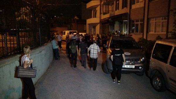İzmit'te çökme tehlikesi bulunan 2 bina tahliye edildi