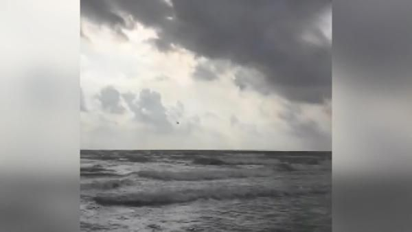 İspanya'da savaş uçağının denize düşme anı kamerada