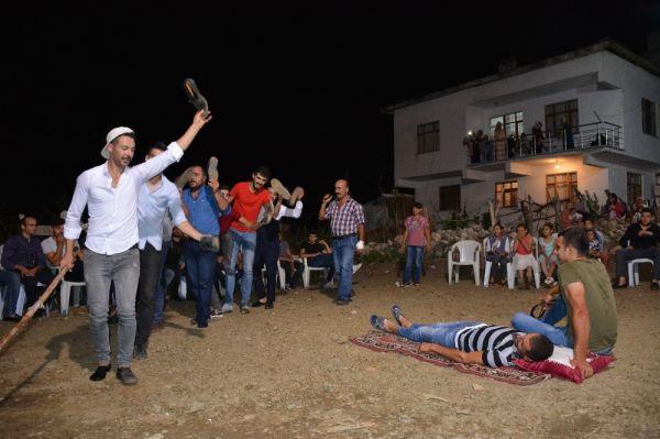 Tokat'ta damadın arkadaşlarından ilginç gelenek