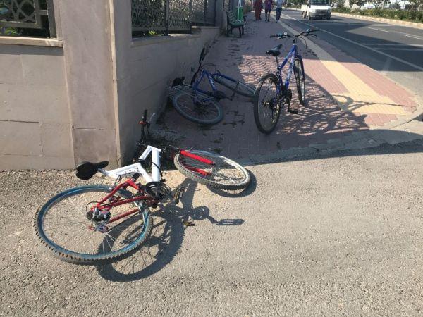 Bisiklet yayaya çarptı: 2 yaralı
