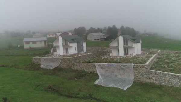 Trabzon'daki yaylada haç şeklinde villalar