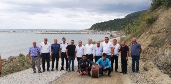 Sinop'ta 3 yıl sonra asfalt gelen köye davul zurna eşlik etti
