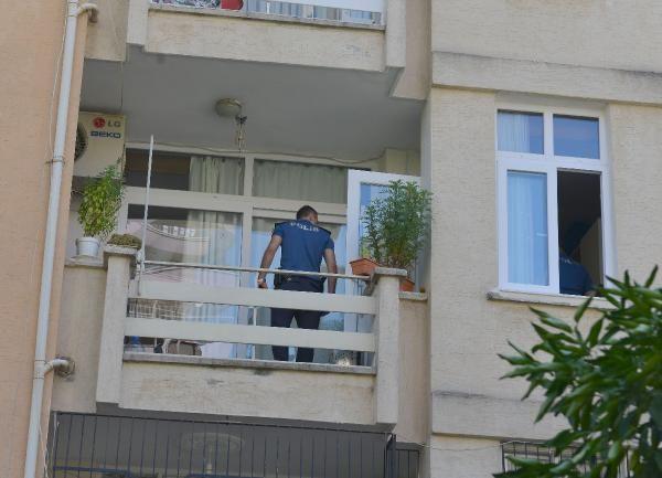 Adana'da oğlu yemeği beğenmeyince kendini balkondan attı