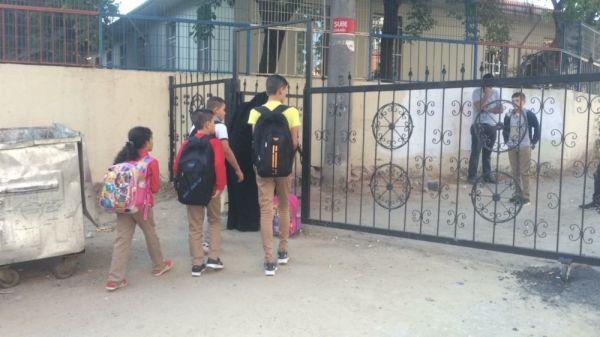 Tekirdağ'da sokak kapandı okul bahçesi oldu