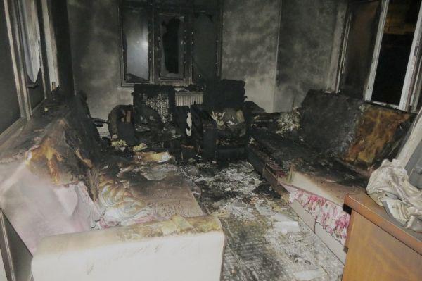 Tekirdağ'da yanan ev kullanılamaz hale geldi