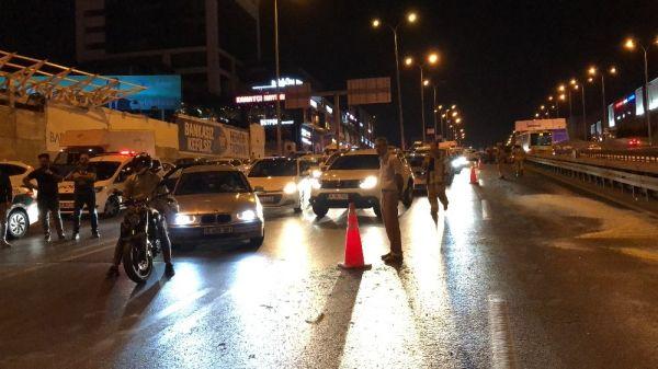 E-5'te zincirleme kaza: Trafik kilitlendi