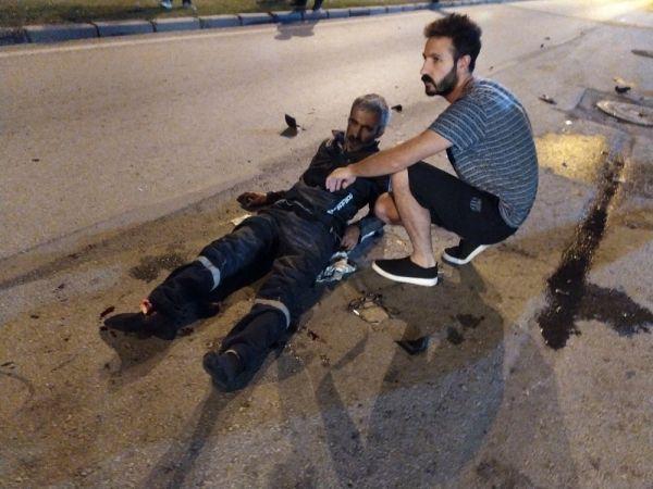 Otomobilin çarptığı motosikletin sürücüsünün ayağı koptu