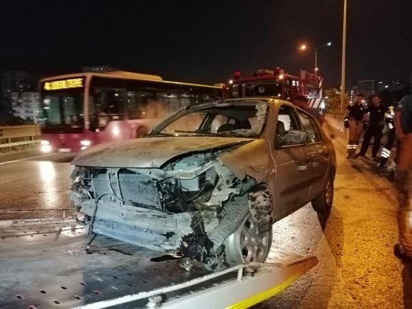 Kazaya karışan otomobil sürücüsü, tamponunu düşürüp kaçtı
