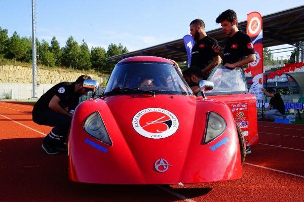 Üniversiteliler otomobilleriyle TÜBİTAK yarışmasına hazır