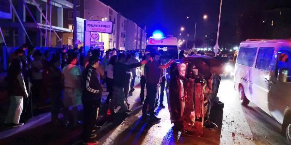 Bursa'da bir sürücü köpeğe çarpmamak için kaza yaptı