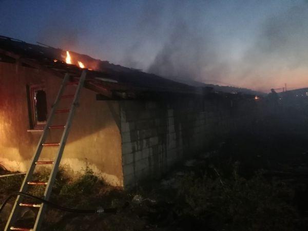 Isparta'da besihanede yangın çıktı
