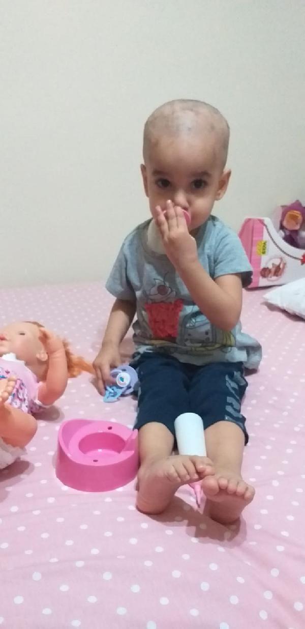 Kanser tedavisi gören Buğlem'in ailesi maddi zorluk yaşıyor