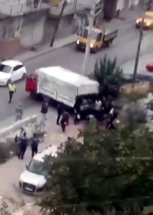 İzmir'de göçmenlerin yakalanma anı