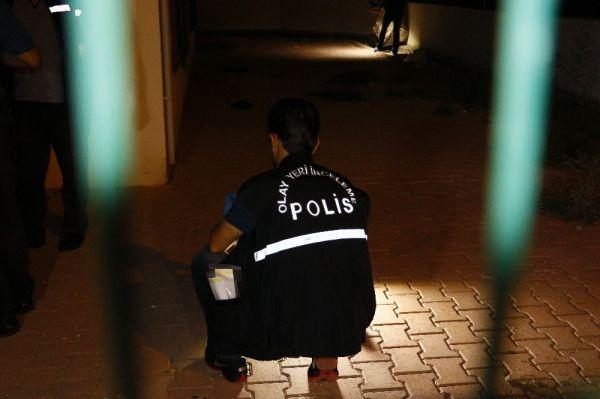 Adana'da husumetlilerin kavgası kanlı bitti: 2 yaralı