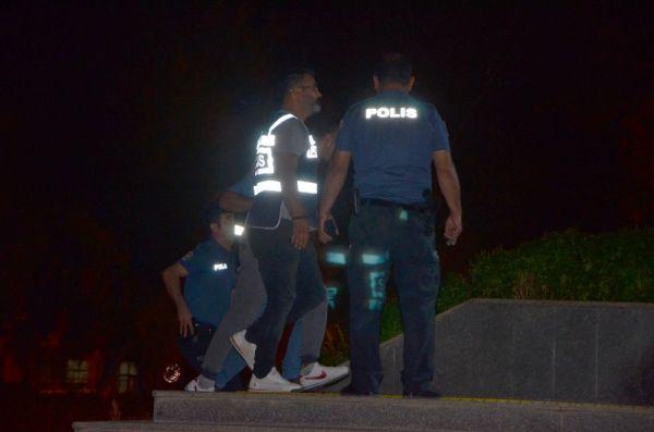 Adana'da bir şahıs tartıştığı eşini bıçaklayarak öldürdü