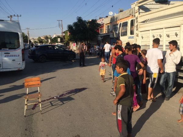 Adana'da otomobile çarpan motosiklet sürücüsü öldü