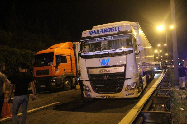 TEM'de feci kaza: 3 ölü, 3 yaralı