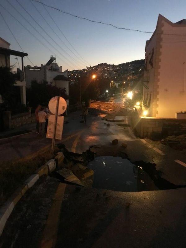 Bodrum'da su borusu patladı