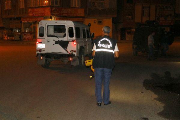 Adana'da bir kişi balkonunda otururken vuruldu