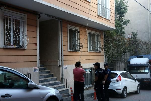 Polis, tabancasını temizlerken meslektaşını vurdu