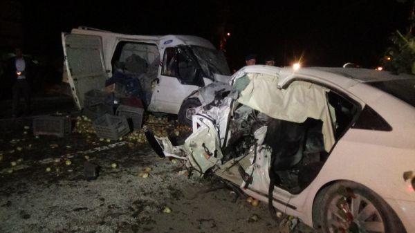 Kaza yapan araç bahçeye uçtu: 1 ölü 7 yaralı