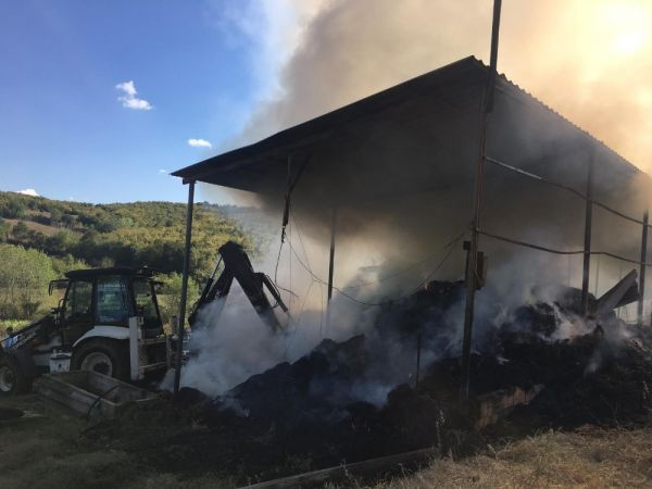 Tekirdağ'da tamir sırasında çiftlikte yangın çıktı