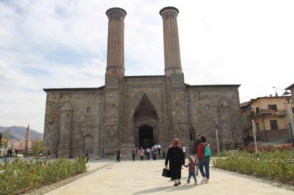 Erzurum'da tarihi medrese içerisinde klima