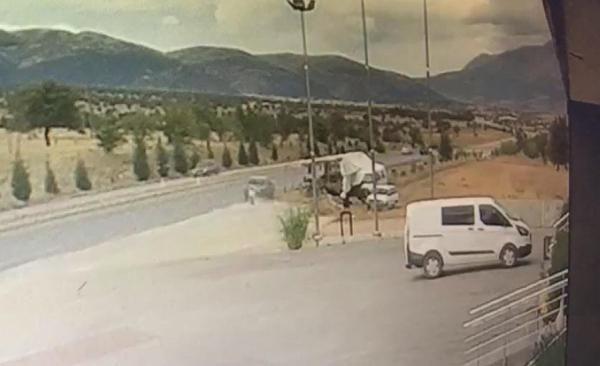 Denizli'de hastane dönüşü kaza: 1 ölü, 2 yaralı
