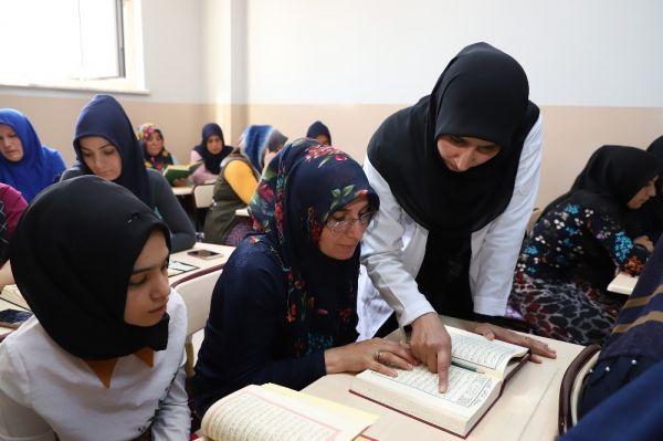 Mehmetçik için Kuran-ı Kerim okudular, dua ettiler