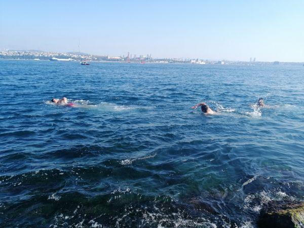 Sarayburnu'nda deniz sezonu açıldı