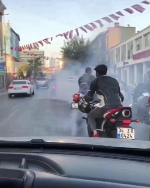 Düğünde motosikletli magandaların konvoyu