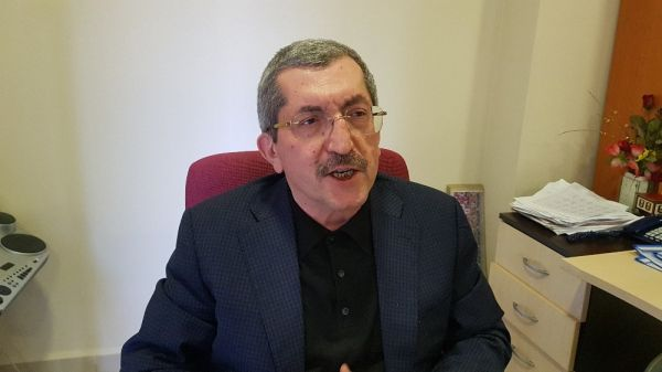 MHP'li Başkan, işe geç gelen işçi ve memurları belediye almayarak kapıları kapattı -4