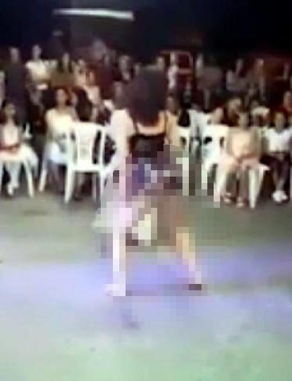 Anne ve baba, sünnet düğünündeki görüntüler için dansözleri suçladı -1